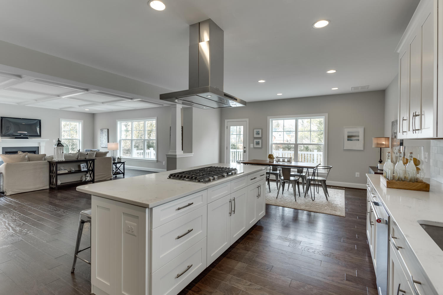 6632 Hallwood Ave Falls Church-large-029-63-KitchenBreakfast Area-1500x1000-72dpi