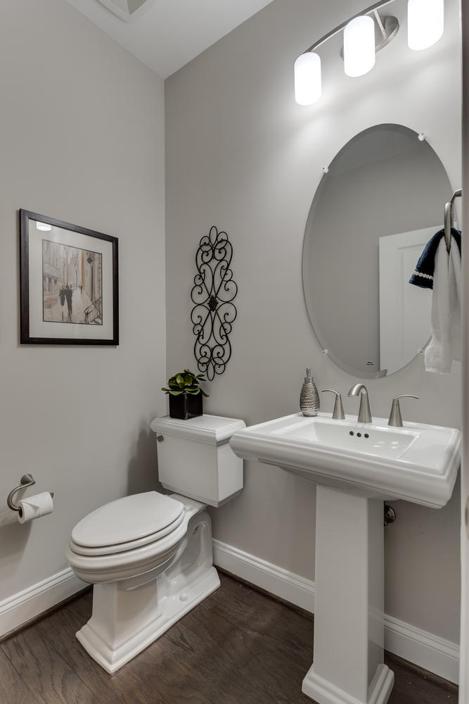 6632 Hallwood Ave Falls Church-large-036-8-Powder Room-667x1000-72dpi