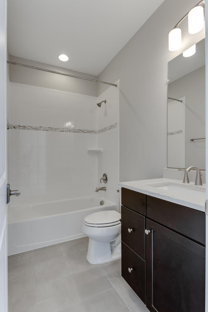 6632 Hallwood Ave Falls Church-large-043-12-Bathroom-667x1000-72dpi