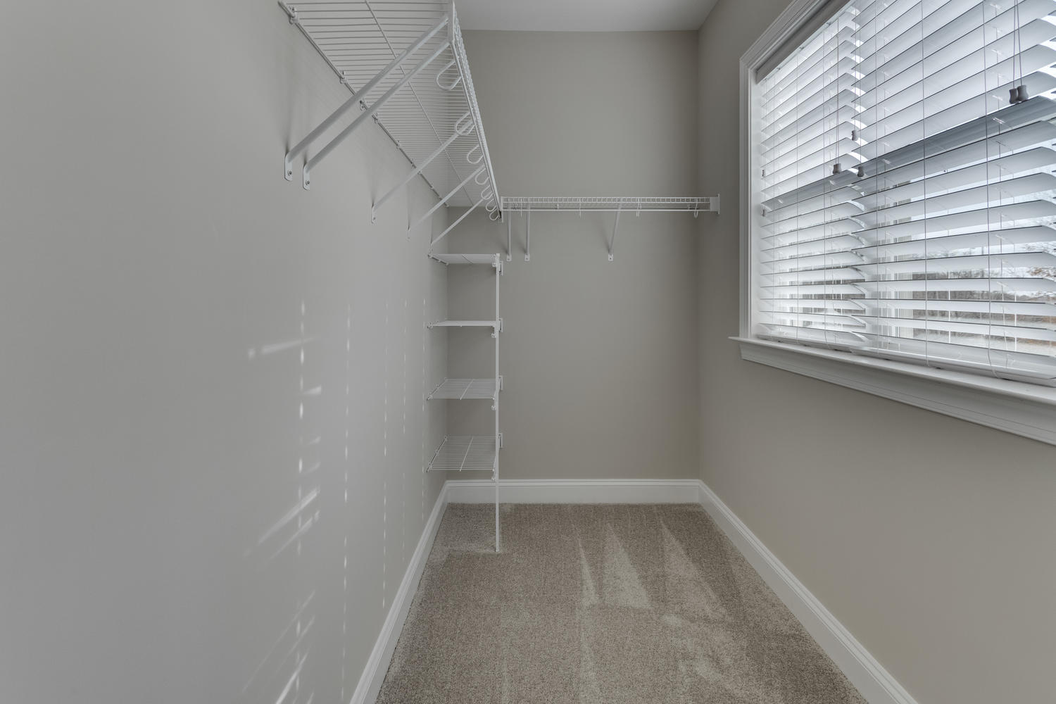 6632 Hallwood Ave Falls Church-large-044-72-Closet-1500x1000-72dpi