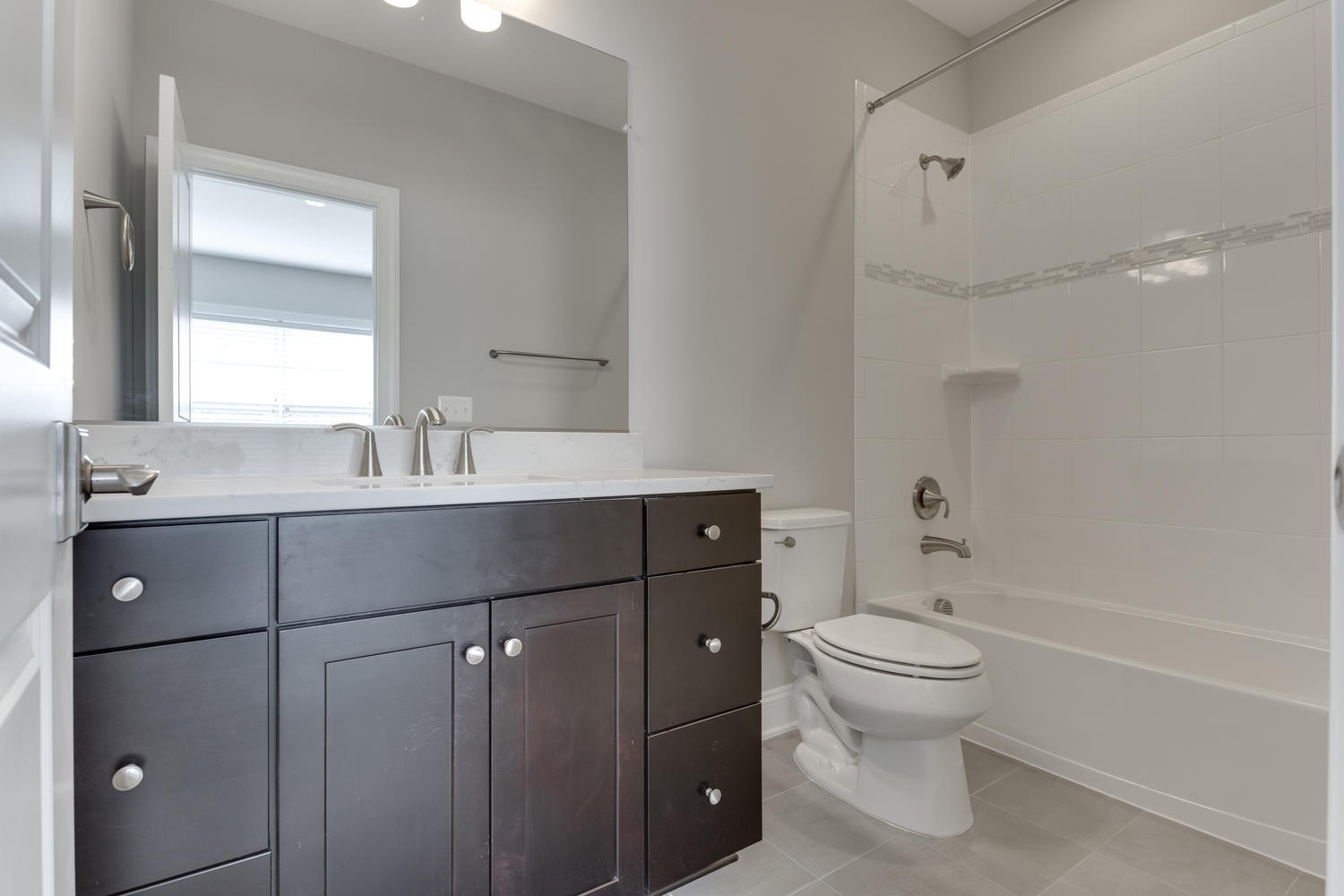 6632 Hallwood Ave Falls Church-large-047-51-Bathroom-1500x1000-72dpi