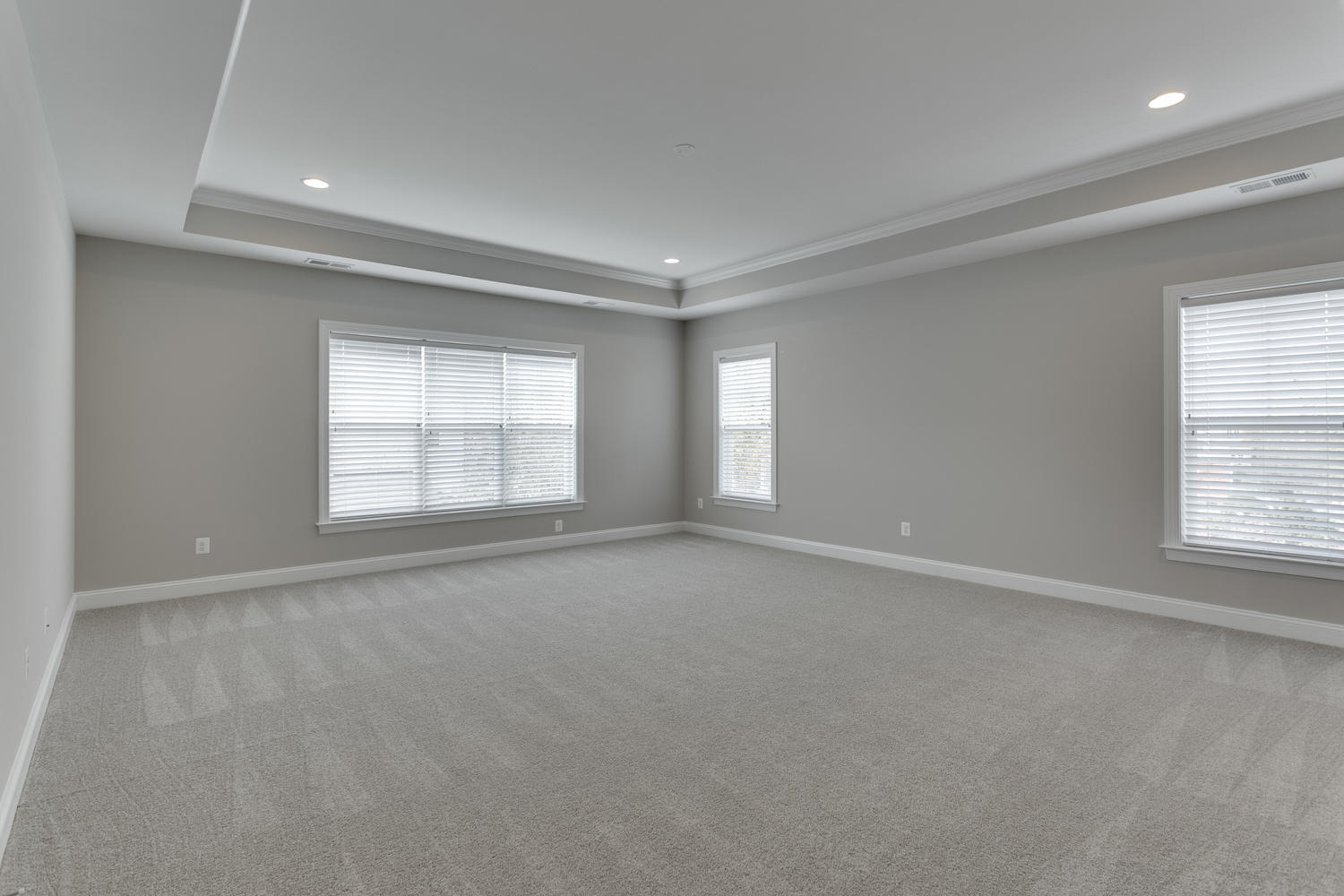 6632 Hallwood Ave Falls Church-large-057-83-Master Bedroom-1500x1000-72dpi