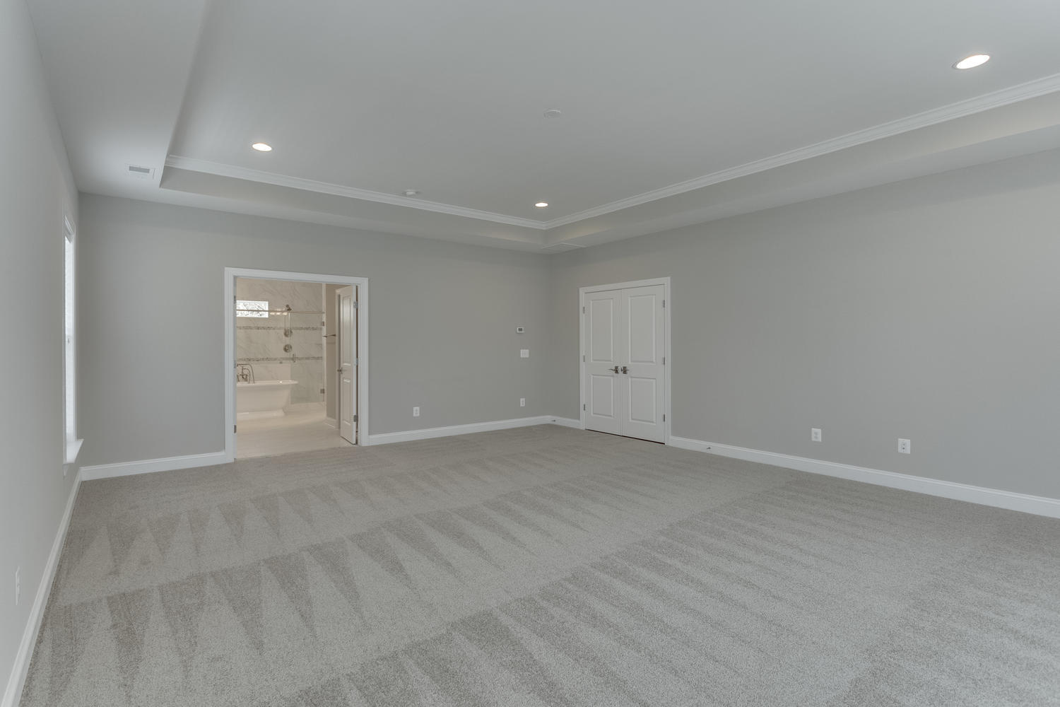 6632 Hallwood Ave Falls Church-large-059-38-Master Bedroom-1500x1000-72dpi