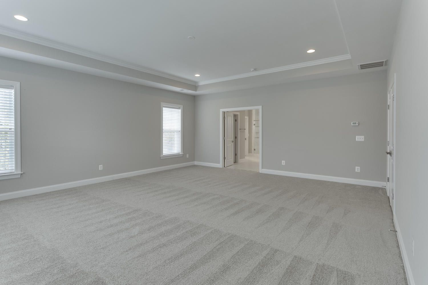 6632 Hallwood Ave Falls Church-large-060-59-Master Bedroom-1500x1000-72dpi