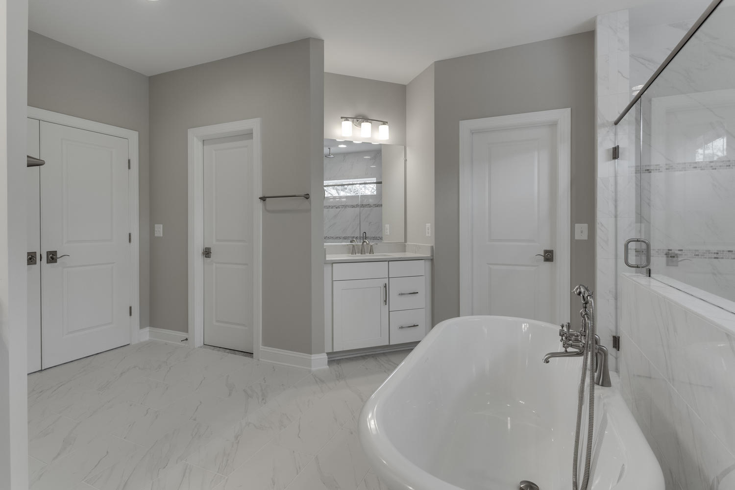 6632 Hallwood Ave Falls Church-large-063-56-Master Bath-1500x1000-72dpi