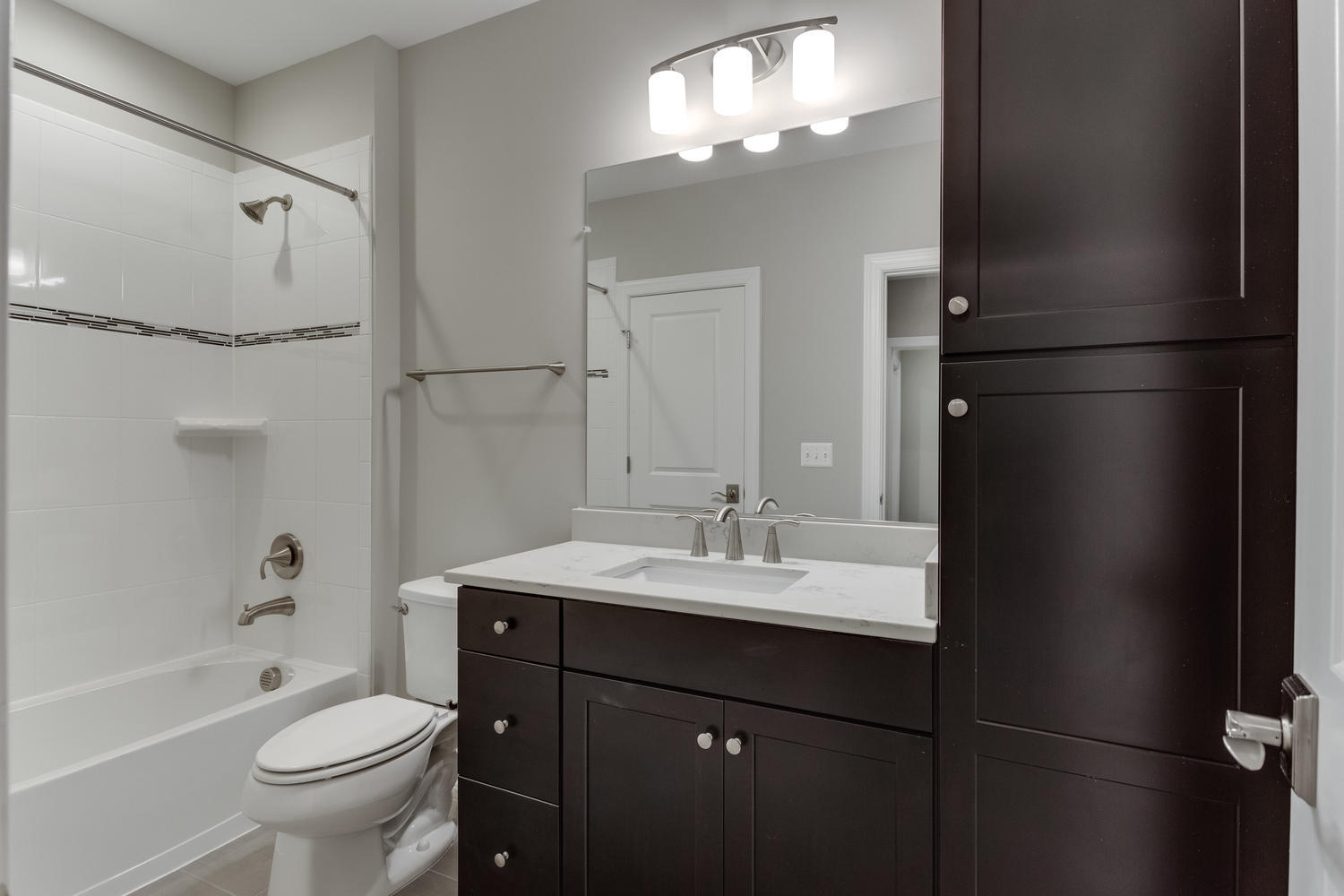6632 Hallwood Ave Falls Church-large-077-91-Bathroom-1500x1000-72dpi