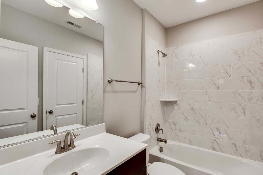 Dartmouth-(lb14)-bathroom