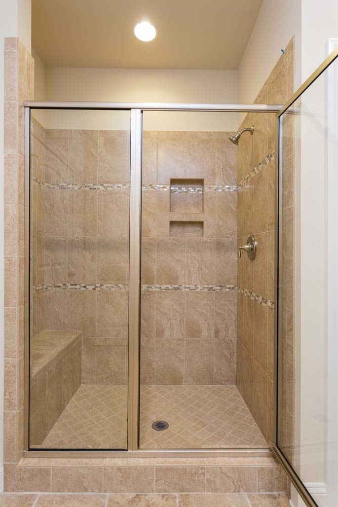 Harrison-(lb10)-Master-Shower