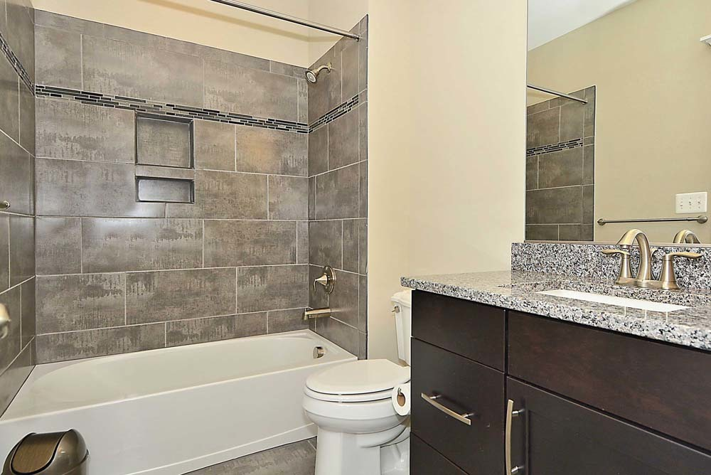 Madison-(lb27)-bathroom