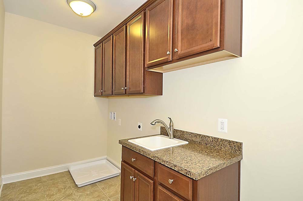 Wellington-(lb16)-Upper-Level-Laundry