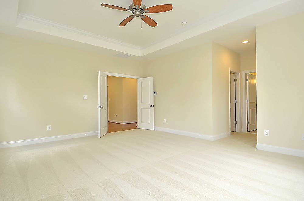 Wellington-(lb17)-Master-Bedroom