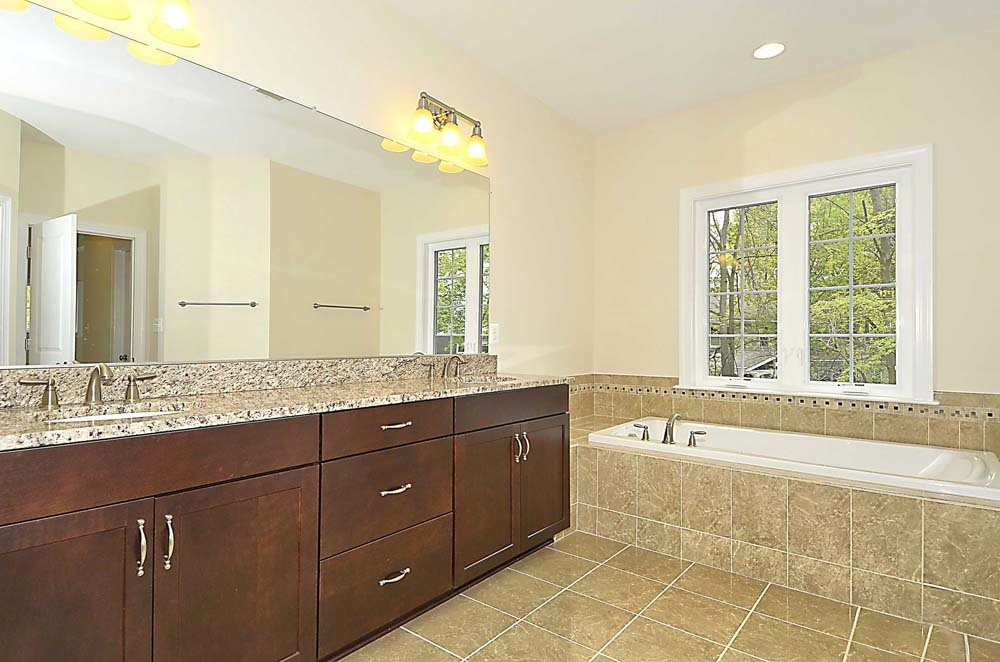 Wellington-(lb19)-Master-Bath