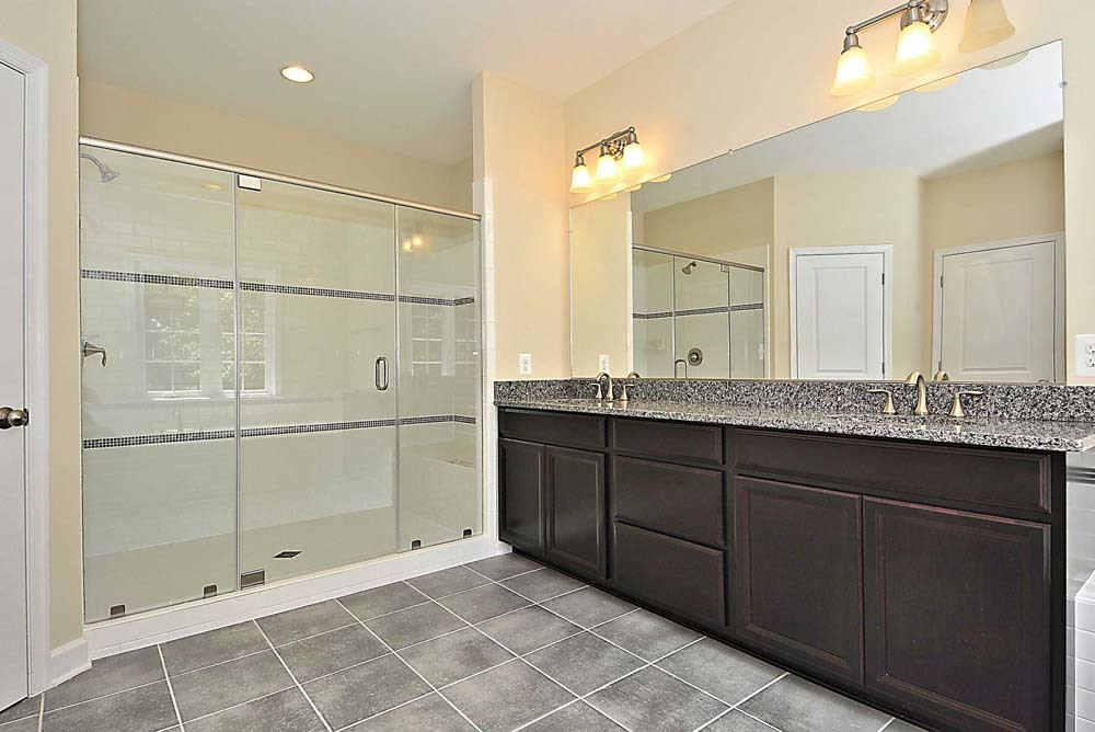 Wellington-(lb20)-Master-Bath