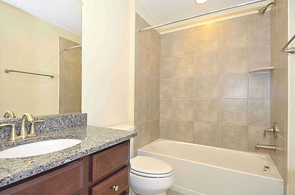 Wellington-(lb25)-Lower-Level-Bath