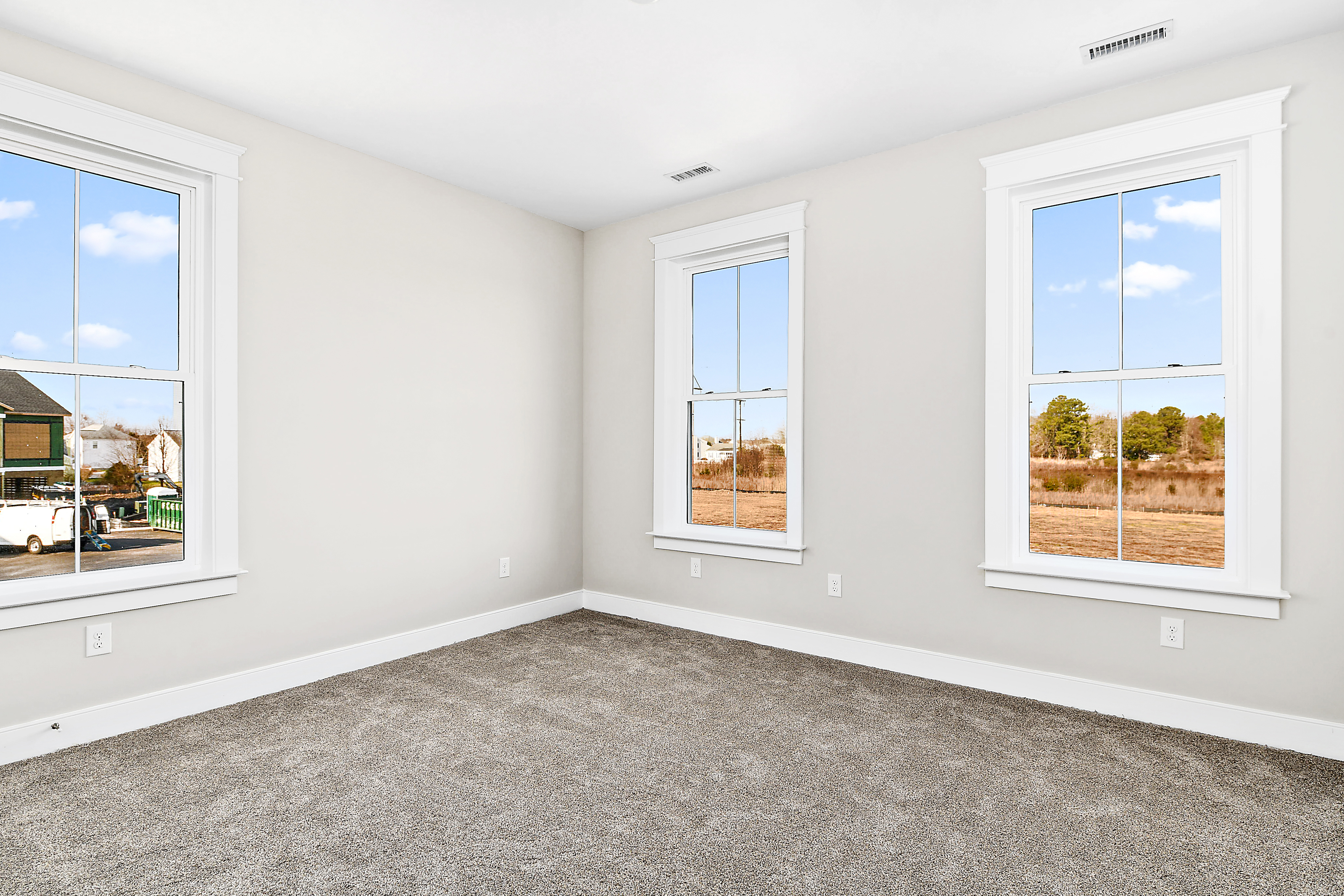 Guest Bedroom Unfurnished with Carpet